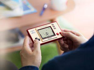 Game & Watch: Super Mario Bros. – klasický systém, který změnil herní historii, je zpět